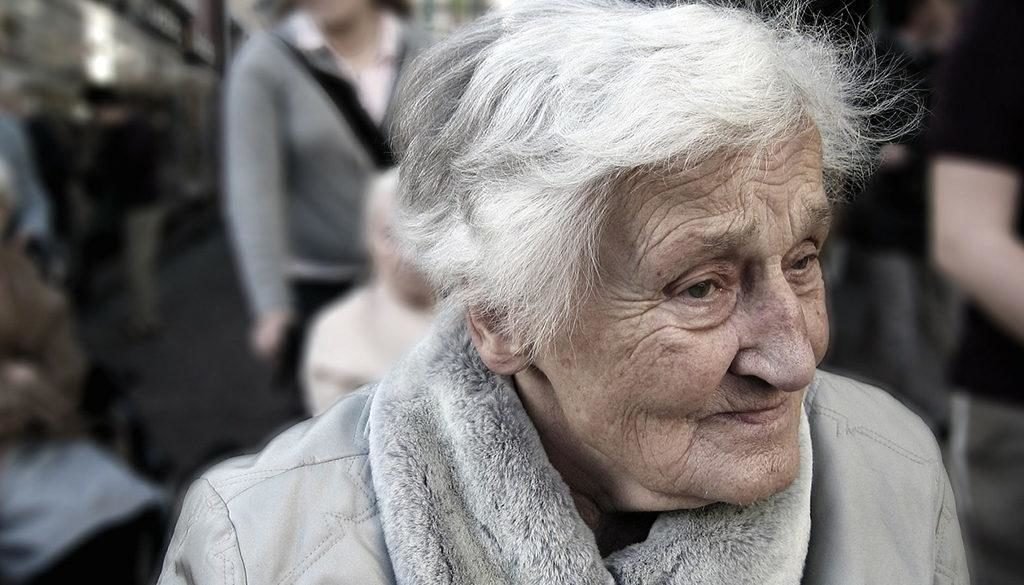 A confused elderly with semantic dementia.